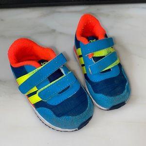 Adidas: Neo Adifit Shoe (4k)
